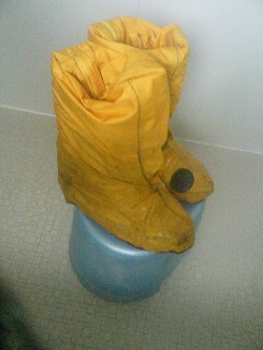 ブーツカバー耐水試験