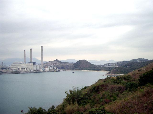 香港 ラマ島 3本煙突の発電所