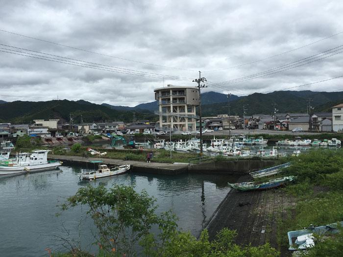 梅雨の港町-2