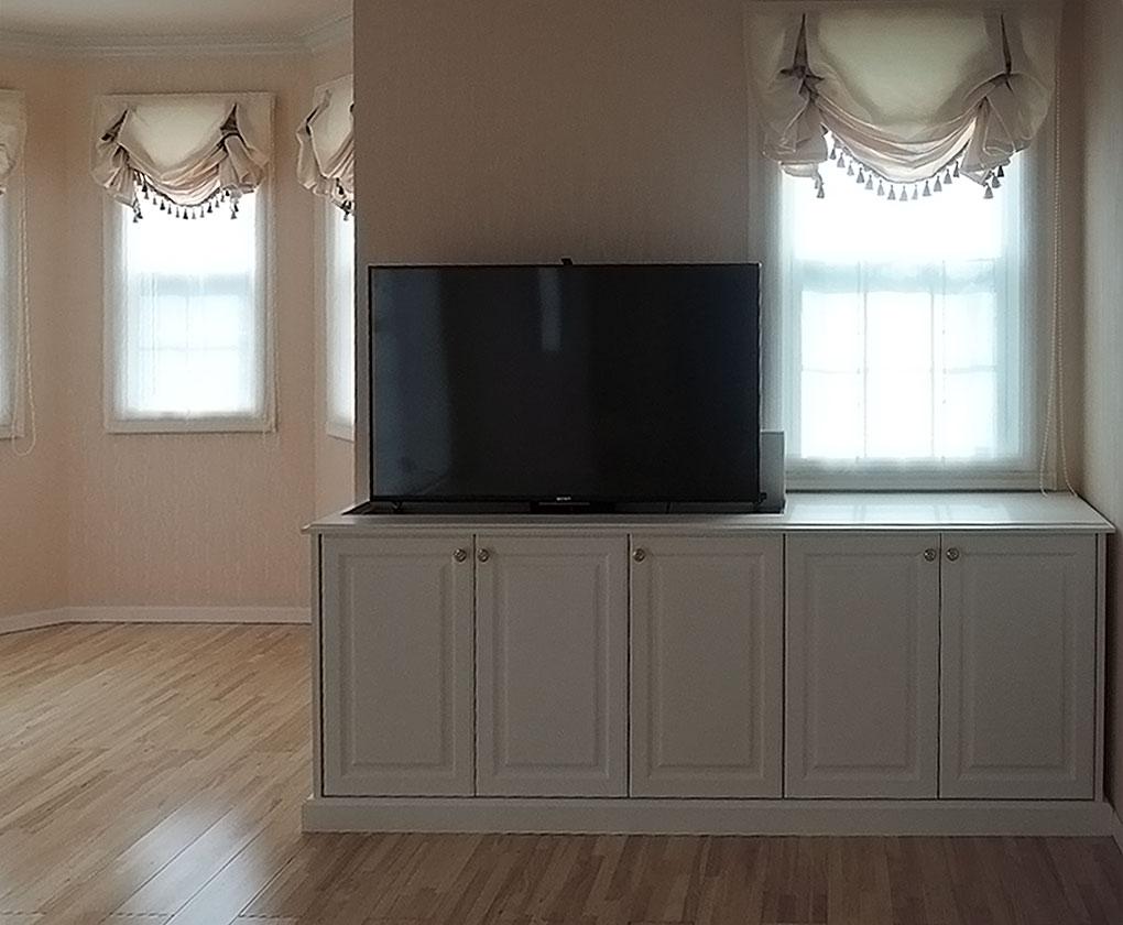 アニーズキッチン テレビが隠せる収納