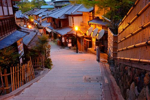 京都・二年坂の夜景2