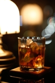 飲み物-ウイスキーと照明