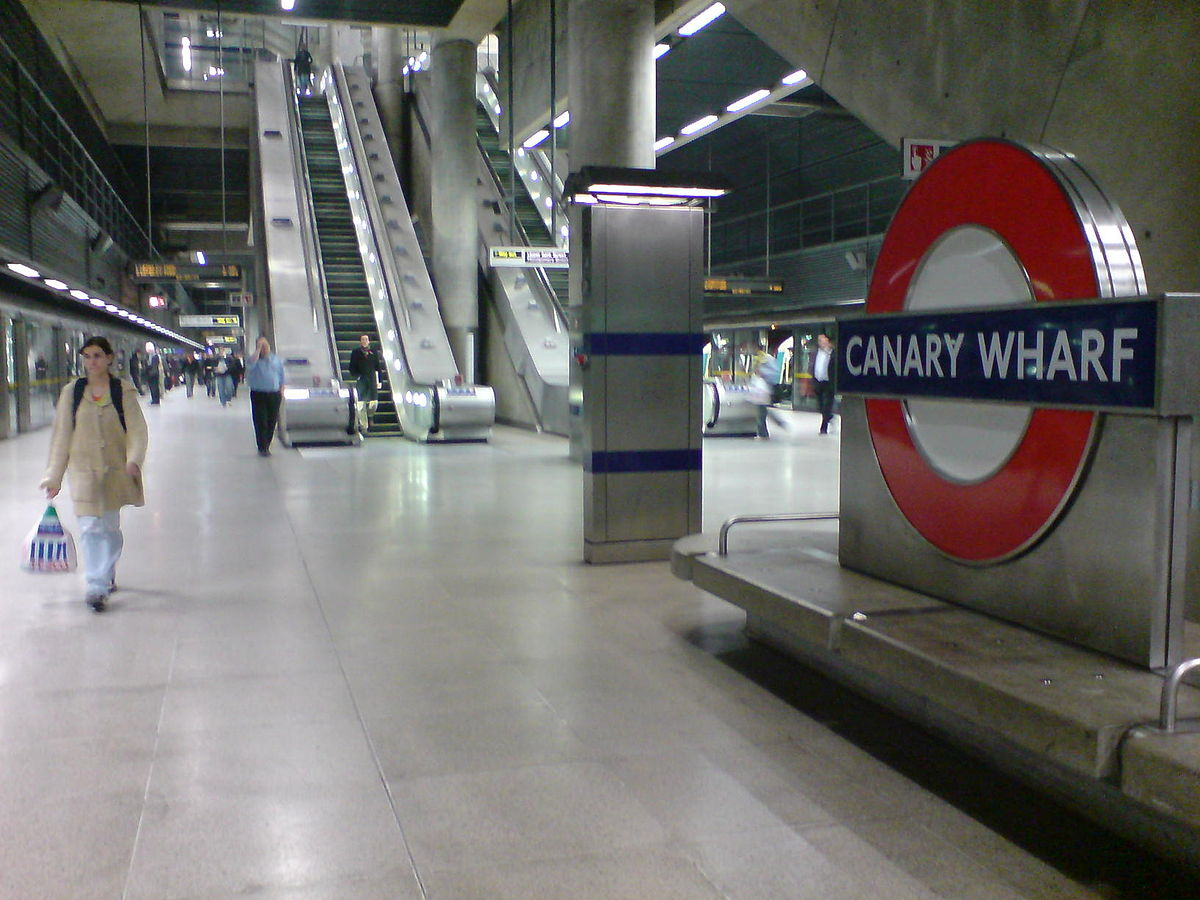 1200px-Canary_Wharf_platforms.jpg
