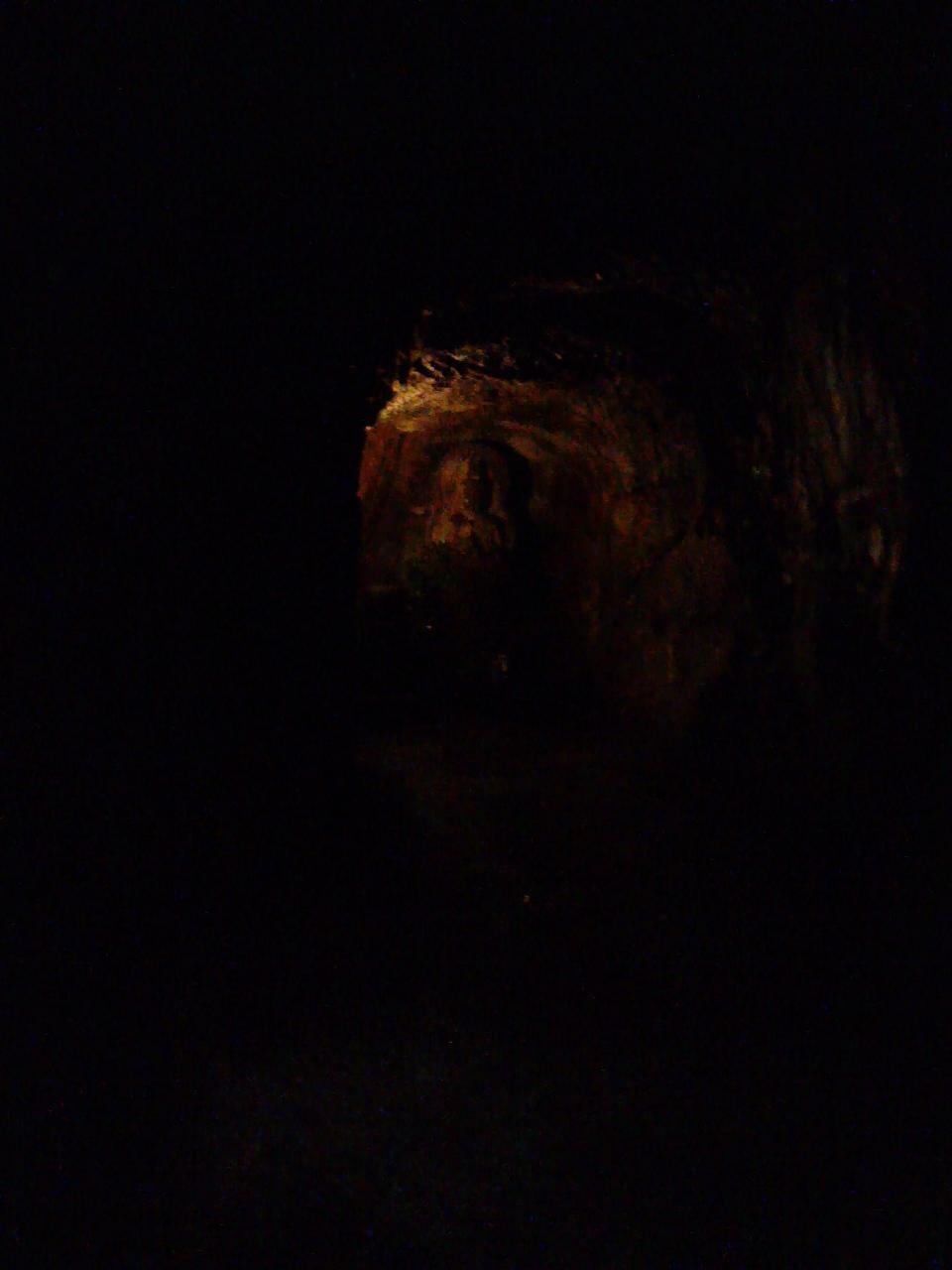 岡寺奥之院石窟