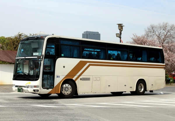 成田200け・・15