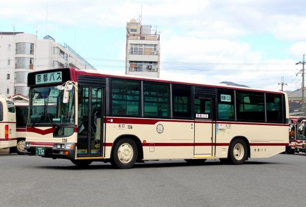 京都200か・352 136
