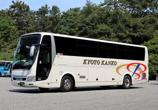 京都230う・704 72F35-704SCR