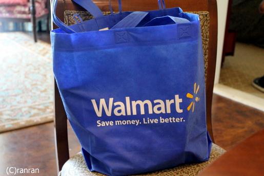 ウォルマートのバッグ