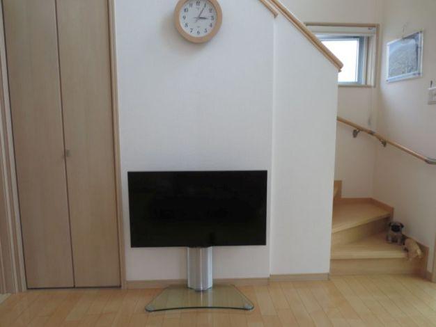壁つけ風TV