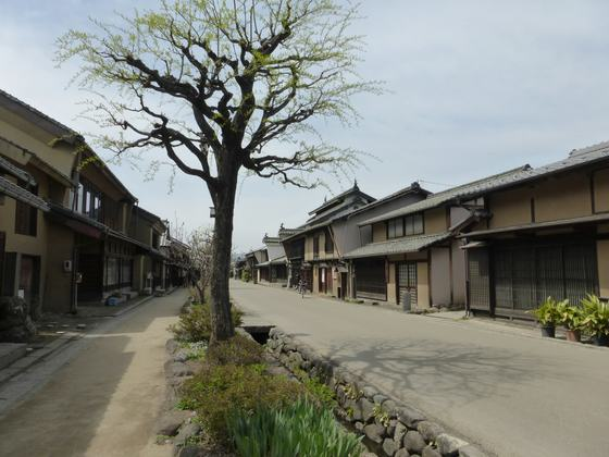 歴史ある街並みと共に人々の生活感が根付く海野宿