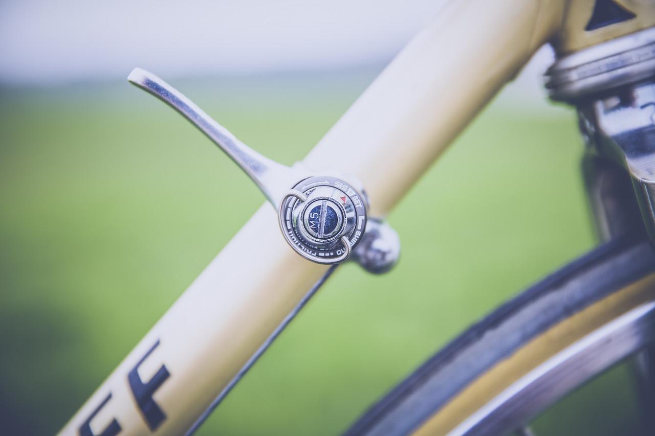 road-bike-1408172_1280.jpg