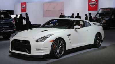 【神ワザ!】2017 Nissan GT-Rの製造現場映像!