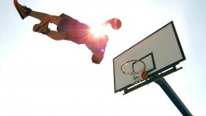 【スポーツ「神ワザ」!】フリースタイルのバスケ~サイコーにカッコイイ!!