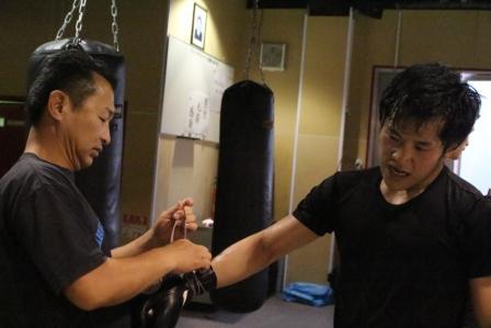 ボクシング写真③ 川口と島田トレーナー