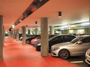 multi-storey-car-park-1271918_960_720.jpg