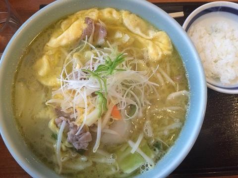 青酸辣湯麺