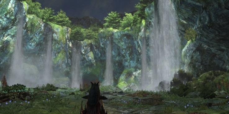 洞窟の奥の滝
