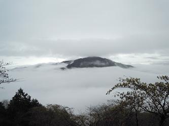 雲海と大山0414