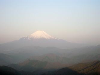 朝の尊仏山荘からの富士
