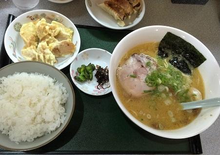 ラーメンライス(味噌味スープ)