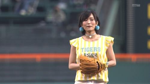 さや姉 甲子園でストライク始球式「100球以上投げて練習した」