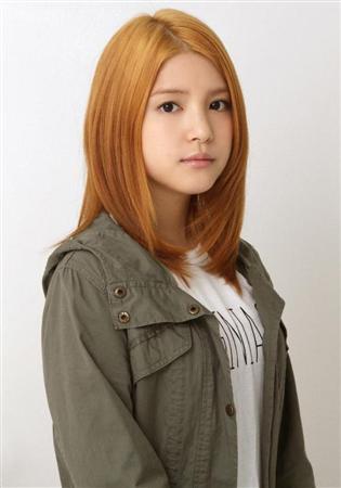 川島海荷、人生初の金髪」!美容院に3時間「まだ信じられません