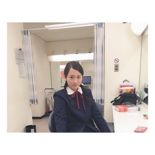 川栄李奈の制服姿が「うそだろーがーってくらいにかわぇぇー」