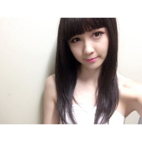 """E-girls・Amiがトレードマークの""""金髪""""から""""黒髪""""にイメチェン「誰だかわからなかったよ―!」"""