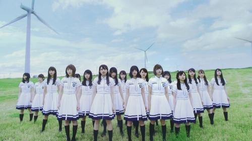 欅坂46 センター平手友梨奈が叫ぶ!2ndシングル「世界には愛しかない」MV公開