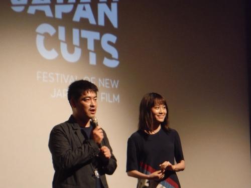 前田敦子、流暢な英語で喜びあらわ ニューヨークで拍手喝采