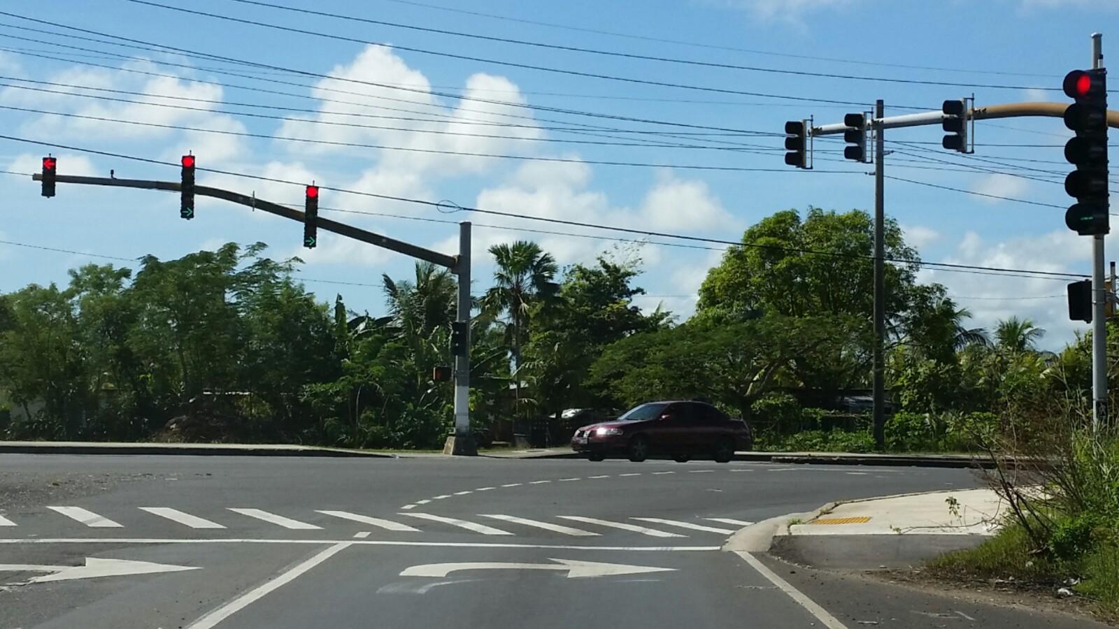 アメリカグアム左右矢印信号