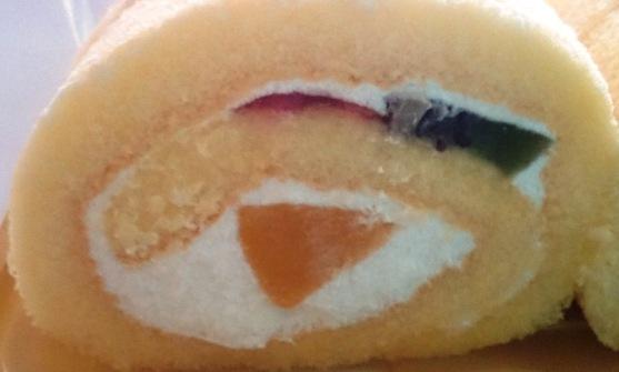 3種のフルーツ至福のロール02