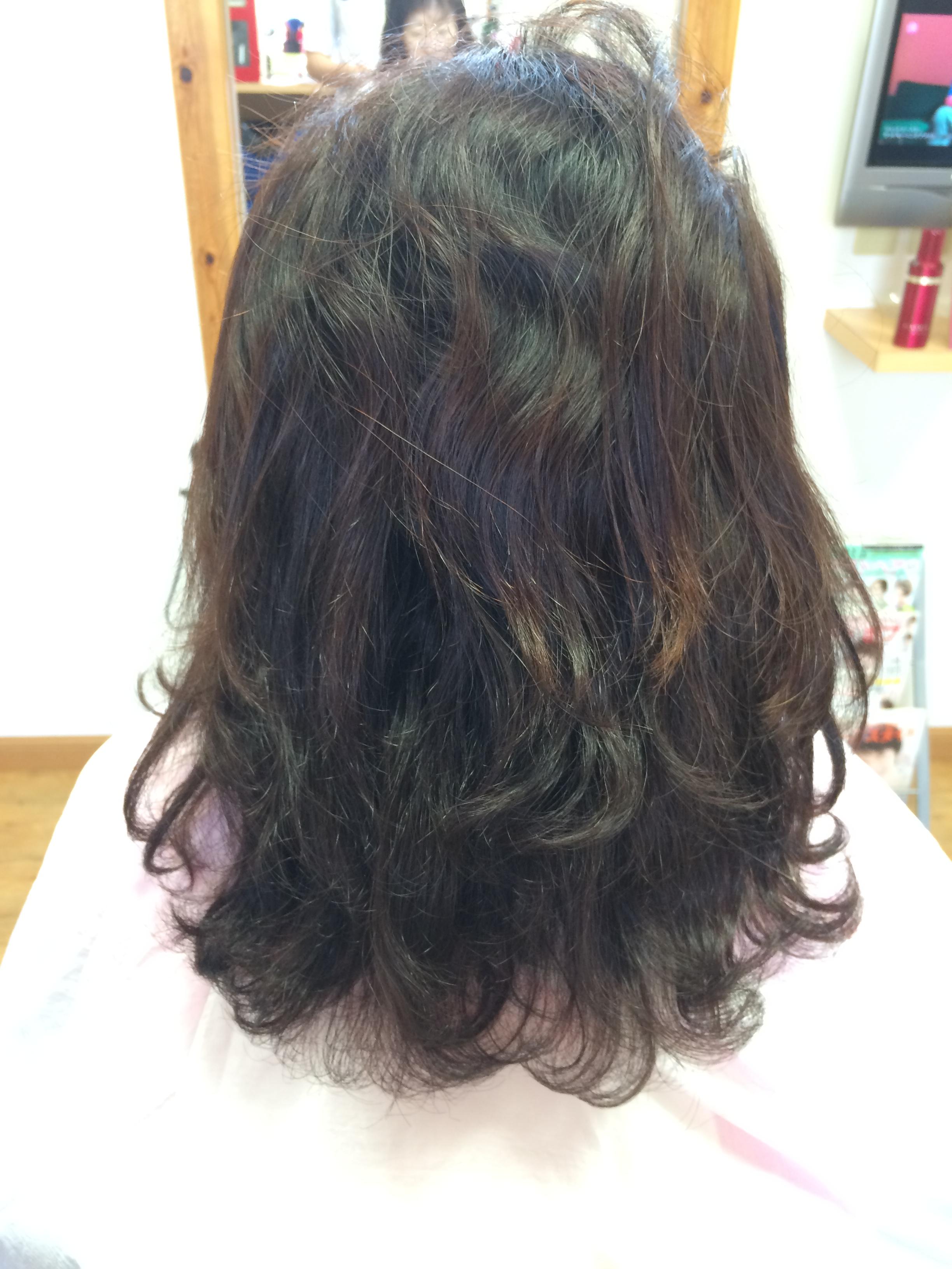 ビフォー 加齢で髪のお悩みの方 縮毛矯正