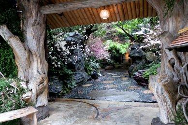 水たき治作の玄関