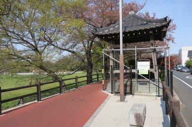 松浦の鐘・鐘楼の改修中