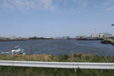 新港大橋から見た千葉港