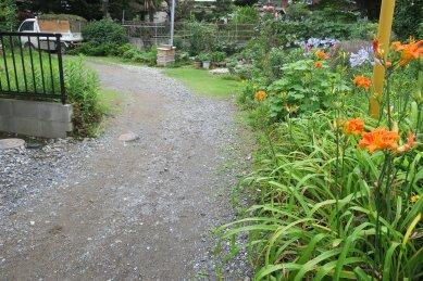 稲荷神社の池跡か