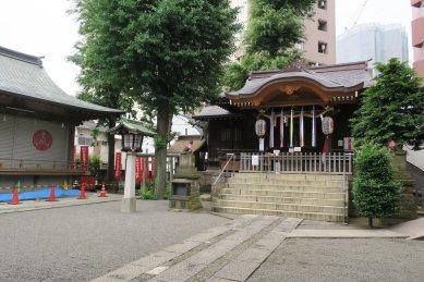 池尻稲荷・拝殿と左・神楽殿