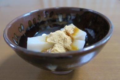 くず餅in上野焼 呉器形茶碗写し