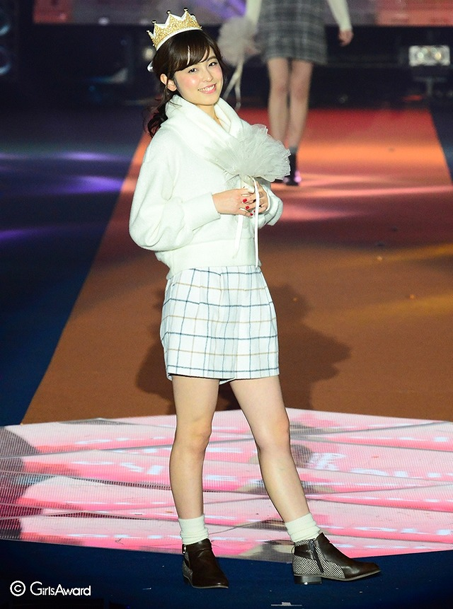 ファッションショーに出演した久慈暁子
