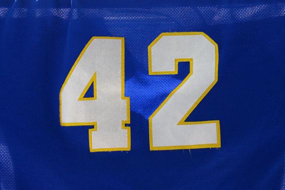 背番号42