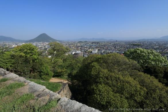 丸亀城から讃岐富士ーSN