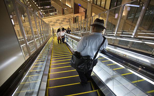 Osaka_escalator_ED_3419171b.jpg