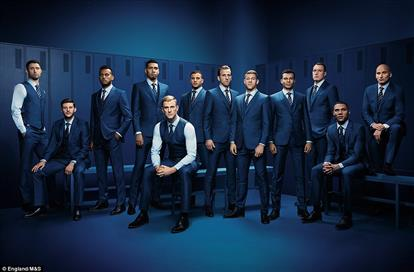 31505CF300000578-3450956-Members_of_the_England_football_team_model_the_Marks_Spencer_sui-a-50_1455714632546 (PSP)