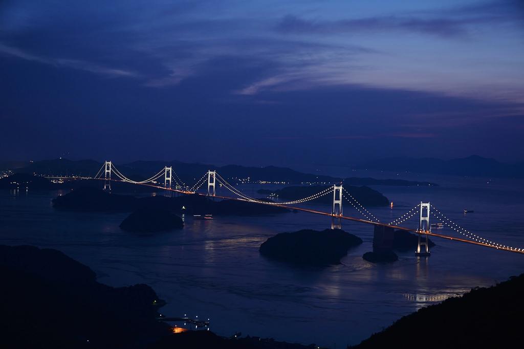 来島大橋ライトアップ
