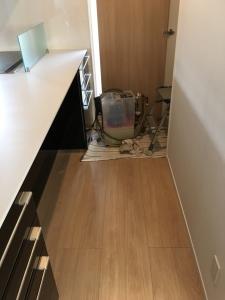 床暖房の循環液を入れる機械