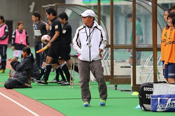 連覇に挑む、常盤木学園の阿部由晴監督。なでしこジャパンに選手を送り出している名将だ