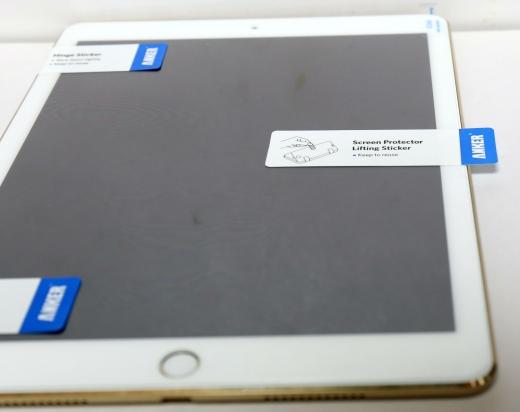 ANKER iPad Pro 9.7 保護ガラス 03