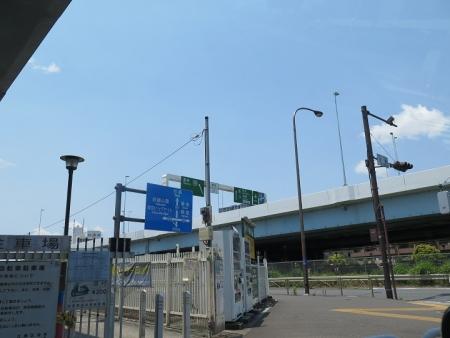 東雲駅近くの駐車場