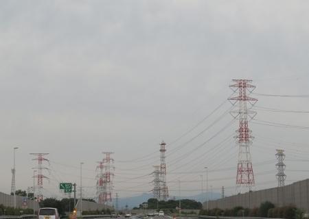 圏央道 鉄塔だらけ